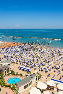 Italy, Emilia-Romagna, Cattolica: popular beach resort located on the Adriatic Sea, south of Rimini | Italien, Emilia-Romagna, Cattolica: beliebter Badeort an der Adria, suedlich von Rimini