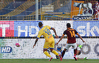 Calcio, Serie A: Frosinone, stadio Comunale, 12 settembre 2015.<br /> Roma's Iago Falque, right, kicks to score during the Italian Serie A football match between Frosinone and Roma at Frosinone Comunale stadium, 12 September 2015.<br /> UPDATE IMAGES PRESS/Riccardo De Luca