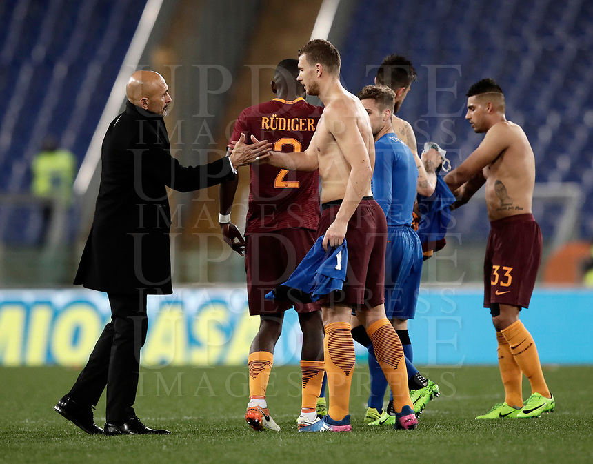 Calcio, Serie A: Roma, stadio Olimpico, 19 marzo, 2017<br /> Roma's coach Luciano Spalletti (l) greets Roma's Edin Dzeko(r) at the and of the Italian Serie A football match between Roma and Sassuolo at Rome's Olympic stadium, March 19, 2017<br /> UPDATE IMAGES PRESS/Isabella Bonotto
