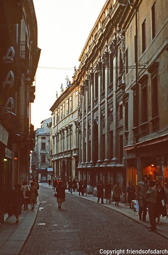 Vicenza:  Street off Corso Palladio.  Photo '83.