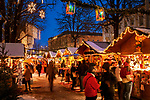 Italy, Alto Adige (South Tyrol)), Brunico at Pusteria Valley: christmas market at Graben | Italien, Suedtirol (Alto Adige), Bruneck (Brunico) im Pustertal: Weihnachtsmarkt am Graben