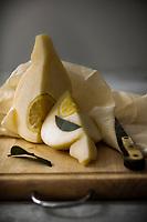 Gastronomie Générale/ Agriculture Biologique : Provola delle Madonie ou Provola con Limone Citadelle du Slow-Food  // General Gastronomy / Organic Agriculture: Provola delle Madonie or Provola con Limone Citadel of Slow-Food