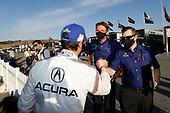 Winner #7 Acura Team Penske Acura DPi, DPi: Helio Castroneves, Acura engineers