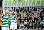 22ND MAR 2009, DUNDEE UNITED V CELTIC, TANNADICE PARK, SCOTT MCDONALD AND GEORGIOS SAMARAS HEAD IN HANDS SAMARITANS PICTURE, ROB CASEY PHOTOGRAPHY.