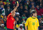 28.06.2010, Ellis Park Stadium, Johannesburg, RSA, FIFA WM 2010, Brazil (BRA) vs Chile.C (CHI), im Bild Referee Howard Webb with yellow card for Kaka of Brazil. EXPA Pictures © 2010, PhotoCredit: EXPA/ Sportida/ Vid Ponikvar +++ Slovenia OUT +++