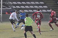 KSV Roeselare - KV Kortrijk..Joeir Dequevy scoort de 1-0 voor Roeselare voorbij Glenn Verbauwhede..foto VDB / BART VANDENBROUCKE