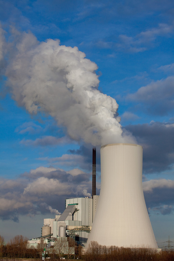 Europa, DEU, Deutschland, Nordrhein Westfalen, NRW, Rheinland, Niederrhein, Ruhrgebiet, Kraftwerk, Kohlekraftwerk, Steinkohlekraftwerk, Kategorien und Themen, Energie, Konventionelle Energien, Energien, Konventionell, Strom, Konventionelle Energieerzeugung, Stromerzeugung, Energieversorgung, Energiewirtschaft, Versorgung, Stromversorgung, Luft, Atemluft, Atmosphaere, Klima, Klimaschutz, Klimawandel, Erdklima, Atmosphaerisch, Erderwaermung, Treibhausgase, Treibhauseffekt<br /> <br /> [Fuer die Nutzung gelten die jeweils gueltigen Allgemeinen Liefer-und Geschaeftsbedingungen. Nutzung nur gegen Verwendungsmeldung und Nachweis. Download der AGB unter http://www.image-box.com oder werden auf Anfrage zugesendet. Freigabe ist vorher erforderlich. Jede Nutzung des Fotos ist honorarpflichtig gemaess derzeit gueltiger MFM Liste - Kontakt, Uwe Schmid-Fotografie, Duisburg, Tel. (+49).2065.677997, archiv@image-box.com, www.image-box.com]