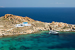 Greece, South Aegean, Cyclades, Serifos island: Aghios Sostis beach and whitewashed Greek church on island's east coast | Griechenland, Suedliche Aegaeis, Kykladen, Insel Serifos: Aghios Sostis beach und weiss gekalkte Griechische Kirche an der Ostkueste