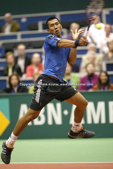 21-2-06, Netherlands, tennis, Rotterdam, ABNAMROWTT,   Srichaphan in action against Parmar