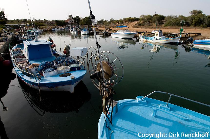 Zypern (Süd), Hafen in Flussmündung Potamos Liopetriou bei Agia Napa