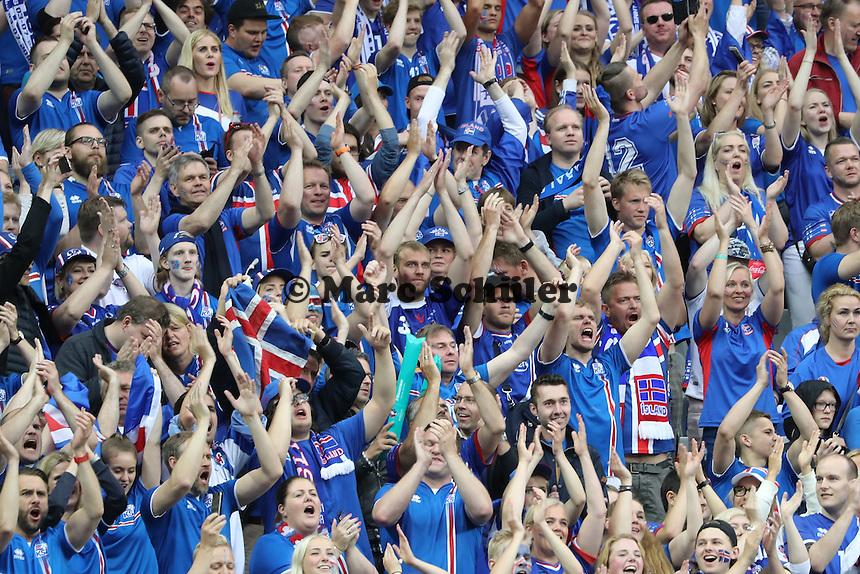 Fans aus Island - UEFA EURO 2016: Frankreich vs. Island, Stade de France, Viertelfinale