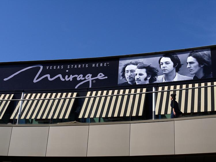 Mirage, Santa Monica Mall, 2012