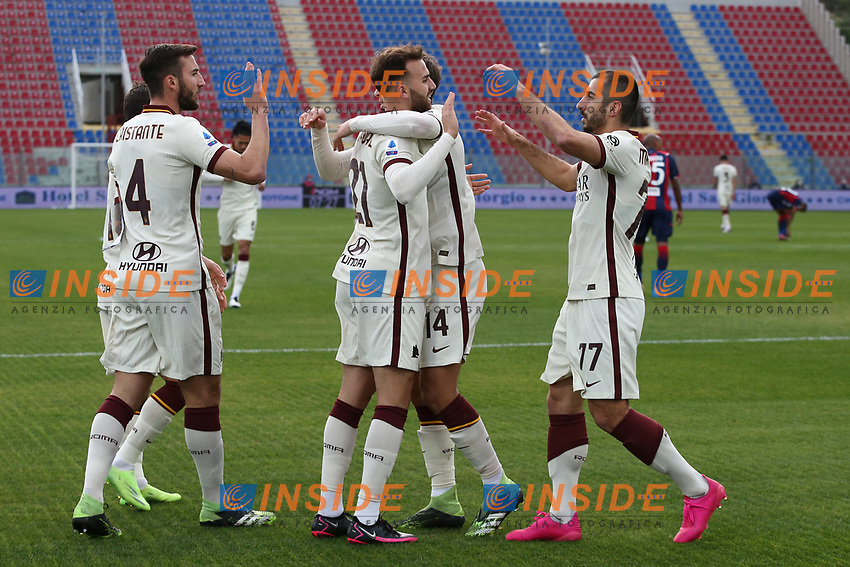 Borja Mayoral of AS Roma celebrates with team mates after scoring the goal of 0-1 during the Serie A football match between FC Crotone and AS Roma at stadio Ezio Scida in Crotone (Italy), January 6th, 2020. Photo Gino Mancini / Insidefoto