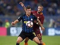 Calcio, Serie A: Roma vs Inter. Roma, stadio Olimpico, 2 ottobre 2016.<br /> FC Inter's Stevan Jovetic, left, and Roma's Bruno Peres, fight for the ball during the Italian Serie A football match between Roma and FC Inter at Rome's Olympic stadium, 2 October 2016.<br /> UPDATE IMAGES PRESS/Isabella Bonotto