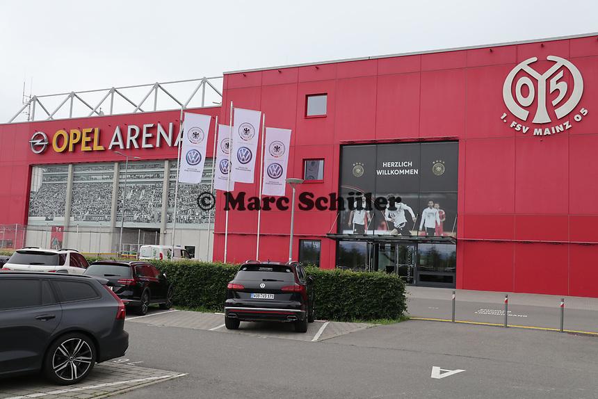 Opel Arena in Mainz schon im DFB-Nationalmannschaft-Look - 10.06.2019: Abschlusstraining der Deutschen Nationalmannschaft vor dem EM-Qualifikationsspiel gegen Estland, Opel Arena Mainz