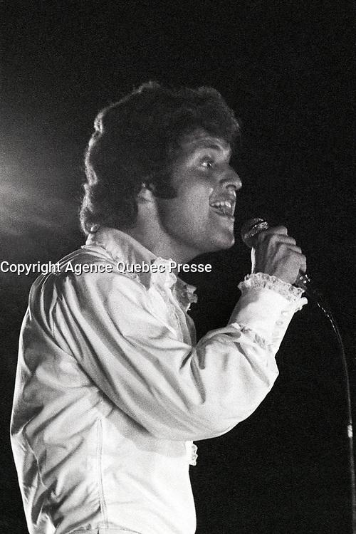 Geneve , le 25.01 .2009 . Le chanteur Joe Dassin, lors de sa tournee d'ete en 1970 dans les arenes des Saintes Maries de la Mer. .<br />  (PHOTO ERIC J. ALDAG- DALLE