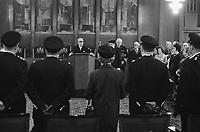 Des pompiers de Montreal, CANADA en demonstration 24 septembre 1963 en Hollande.<br /> <br /> Montreal (Canada) Fire Department at City Hall in HOLLAND.<br /> <br /> Date September 24, 1963<br /> <br /> Photographer Gelderen, Hugo van / Anefo