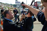 """Traditionelles Oban Music-Festival.<br /> Die Staemme der Region treten bei dem mehrtaegigen Festival mit """"Bagpipes and Drums"""" (Dudelsack und Trommel) zum Wettstreit an.<br /> Die Bagpipes werden mit elektronischen Messgeraeten exakt gestimmt.<br /> 3.5.2008, Oban/Schottland<br /> Copyright: Christian-Ditsch.de<br /> [Inhaltsveraendernde Manipulation des Fotos nur nach ausdruecklicher Genehmigung des Fotografen. Vereinbarungen ueber Abtretung von Persoenlichkeitsrechten/Model Release der abgebildeten Person/Personen liegen nicht vor. NO MODEL RELEASE! Nur fuer Redaktionelle Zwecke. Don't publish without copyright Christian-Ditsch.de, Veroeffentlichung nur mit Fotografennennung, sowie gegen Honorar, MwSt. und Beleg. Konto: I N G - D i B a, IBAN DE58500105175400192269, BIC INGDDEFFXXX, Kontakt: post@christian-ditsch.de<br /> Bei der Bearbeitung der Dateiinformationen darf die Urheberkennzeichnung in den EXIF- und  IPTC-Daten nicht entfernt werden, diese sind in digitalen Medien nach §95c UrhG rechtlich geschützt. Der Urhebervermerk wird gemaess §13 UrhG verlangt.]"""
