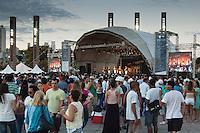 BELO HORIZONTE-MG-15.09.2013-Primeira virada cultural de Belo Horizonte- show dos Demônios da Garoa na praça da estação ferroviária- domingo,15-(Foto: Sergio Falci / Brazil Photo Press)