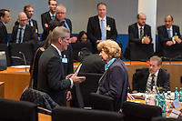 2. NSU-Untersuchungsausschuss dees Deutschen Bundestag.<br /> Aufgrund vieler Ungeklaertheiten und Fragen sowie vielen neuen Erkenntnissen ueber moegliche Verstrickungen verschiedener Geheimdienste in das Terror-Netzwerk Nationalsozialistischen Untergrund (NSU) wurde von den Abgeordneten des Bundestgas ein zweiter Untersuchungsausschuss eingesetzt.<br /> Am Donnerstag den 17. Dezember fand die 1. oeffentliche Sitzung des 2. NSU-Untersuchungsausschuss des Deutschen Bundestag statt.<br /> Im Bild: Der Ausschussvorsitzende Clemens Binninger, CDU, (links) spricht mit der Sachverstaendigen Prof. Barbara John, Vorsitzende des Paritaetischen Wohlfahrtsverbandes und fruehere Berliner Auslaenderbeauftragte (rechts).<br /> 17.12.2015, Berlin<br /> Copyright: Christian-Ditsch.de<br /> [Inhaltsveraendernde Manipulation des Fotos nur nach ausdruecklicher Genehmigung des Fotografen. Vereinbarungen ueber Abtretung von Persoenlichkeitsrechten/Model Release der abgebildeten Person/Personen liegen nicht vor. NO MODEL RELEASE! Nur fuer Redaktionelle Zwecke. Don't publish without copyright Christian-Ditsch.de, Veroeffentlichung nur mit Fotografennennung, sowie gegen Honorar, MwSt. und Beleg. Konto: I N G - D i B a, IBAN DE58500105175400192269, BIC INGDDEFFXXX, Kontakt: post@christian-ditsch.de<br /> Bei der Bearbeitung der Dateiinformationen darf die Urheberkennzeichnung in den EXIF- und  IPTC-Daten nicht entfernt werden, diese sind in digitalen Medien nach §95c UrhG rechtlich geschuetzt. Der Urhebervermerk wird gemaess §13 UrhG verlangt.]