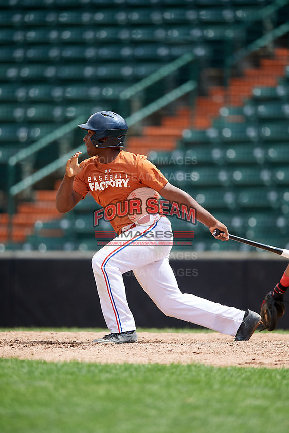 Luis Encarnacion (4) hits a ground rule double during the Dominican Prospect League Elite Underclass International Series, powered by Baseball Factory, on July 21, 2018 at Schaumburg Boomers Stadium in Schaumburg, Illinois.  (Mike Janes/Four Seam Images)