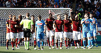 Calcio, Serie A: Roma vs Napoli. Roma, stadio Olimpico, 25 aprile 2016.<br /> Roma's Radja Nainggolan, third from right, celebrates after scoring the winning goal during the Italian Serie A football match between Roma and Napoli at Rome's Olympic stadium, 25 April 2016. Roma won 1-0.<br /> UPDATE IMAGES PRESS/Isabella Bonotto