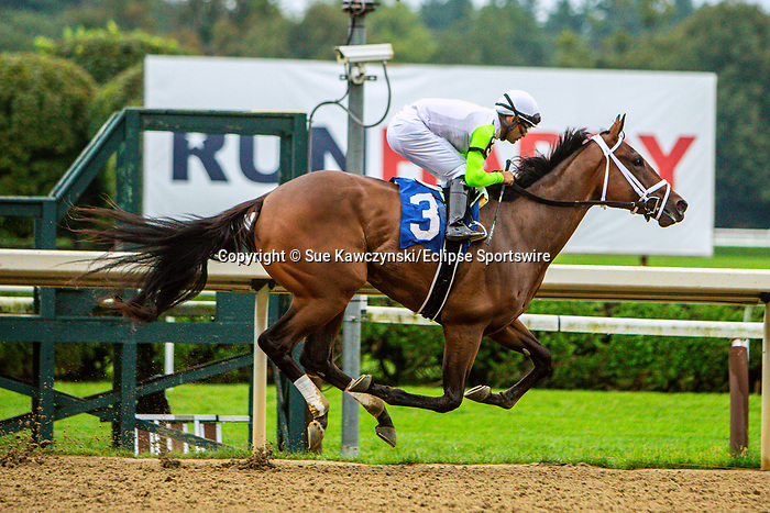 SEPT 05, 2021: Jester Calls Nojoy, #3, ridden by Luis Saez, wins the 8th race for 2-year old fillies, going 7 furlongs, at Saratoga Racecourse, Saratoga Springs, New York. Sue Kawczynski/Eclipse Sportswire/CSM