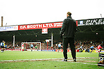 Rotherham 1 Nottingham Forest 1, 05/02/2005. Millmoor, League One. lan Knill. Rotherham manager. Photo by Simon Gill.