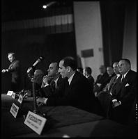 2 Mars 1967. Vue de François Mitterand dans la tribune lors d'une réunion politique à Toulouse
