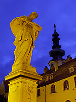 Turm des Michaeler Tor und und Brückenfigur auf der Michalska, Bratislava, Bratislavsky kraj, Slowakei, Europa<br /> Tower of Michaeler Gate and statue on bridge, Bratislava, Bratislavsky kraj, Slovakia, Europe