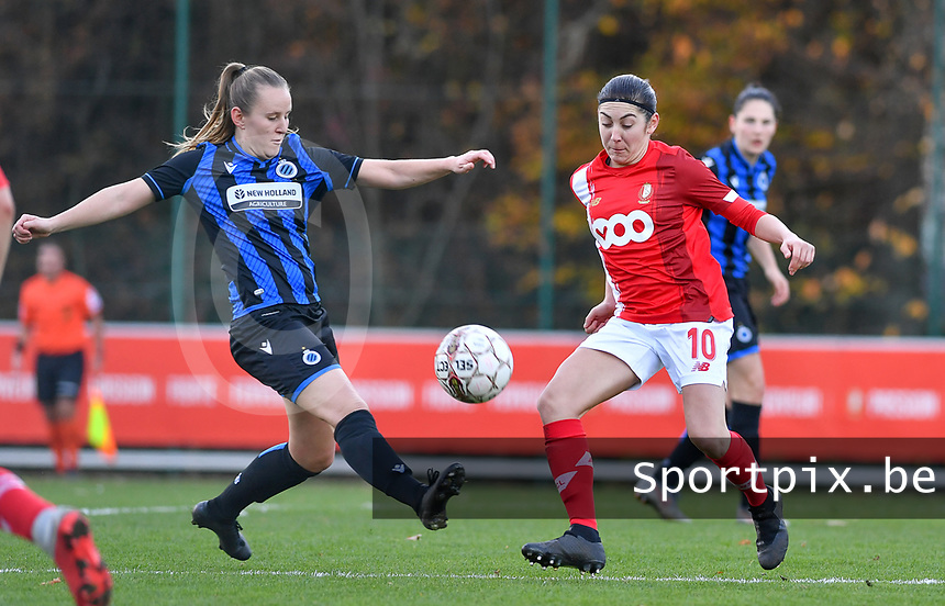 Elle Decorte (7 Brugge) pictured in a fight for the ball with Noemie Gelders of Standard (10)  during a female soccer game between Standard Femina de Liege and Club Brugge YLA on the seventh matchday of the 2020 - 2021 season of Belgian Scooore Womens Super League , saturday 14 th of November 2020  in Angleur , Belgium . PHOTO SPORTPIX.BE | SPP | DAVID CATRY