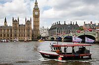 15.06.2016 - Flotillas Battle On The Thames - Brexit Vs In EU, Farage Vs Geldof