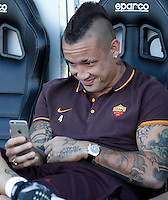Calcio, Serie A: Frosinone vs Roma. Frosinone, stadio Comunale, 12 settembre 2015.<br /> Roma's Radja Nainggolan sits on the bench prior to the start of the Italian Serie A football match between Frosinone and Roma at Frosinone Comunale stadium, 12 September 2015.<br /> UPDATE IMAGES PRESS/Isabella Bonotto