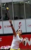 BOGOTÁ - COLOMBIA - 23-02-2013: Paula Ormaechea de Argentina, en acción, durante partido por la Copa de Tenis WTA Bogotá, febrero 23 de 2013. (Foto: VizzorImage / Luis Ramírez / Staff). Paula Ormaechea from Argentina in action, during a match for the WTA Bogota Tennis Cup, on February 23, 2013, in Bogota, Colombia. (Photo: VizzorImage / Luis Ramirez / Staff)..............................