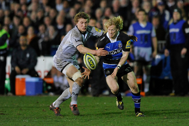 Tom Biggs of Bath Rugby (right) and Billy Twelvetrees of Leicester Tigers hunt down the loose ball during the LV= Cup semi final match between Bath Rugby and Leicester Tigers at The Recreation Ground, Bath (Photo by Rob Munro, Fotosports International)