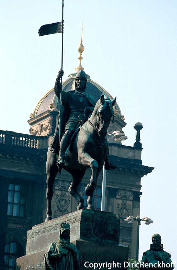 Tschechien, Prag, Wenzelsplatz (Vaclavske namesti), Nationalmuseum, Denkmal des heiligen Wenzel von Josef Myslbek, Unesco-Weltkulturerbe