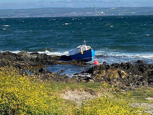 Bangor Coastguard Rescue Team Discover Boat on Rocks