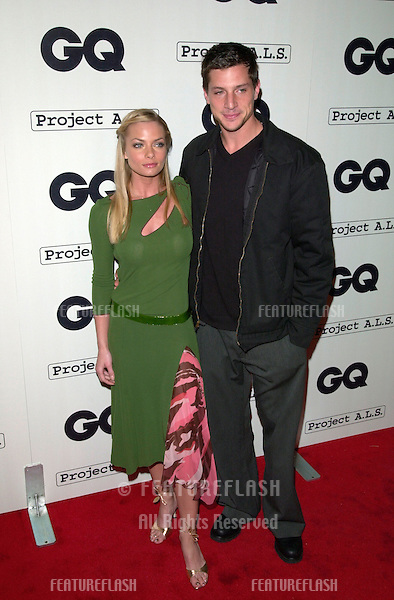 Actress JAIME PRESSLY & actor boyfriend SIMON REX at the second annual GQ Magazine Hollywood Issue party..15FEB2001.  © Paul Smith/Featureflash