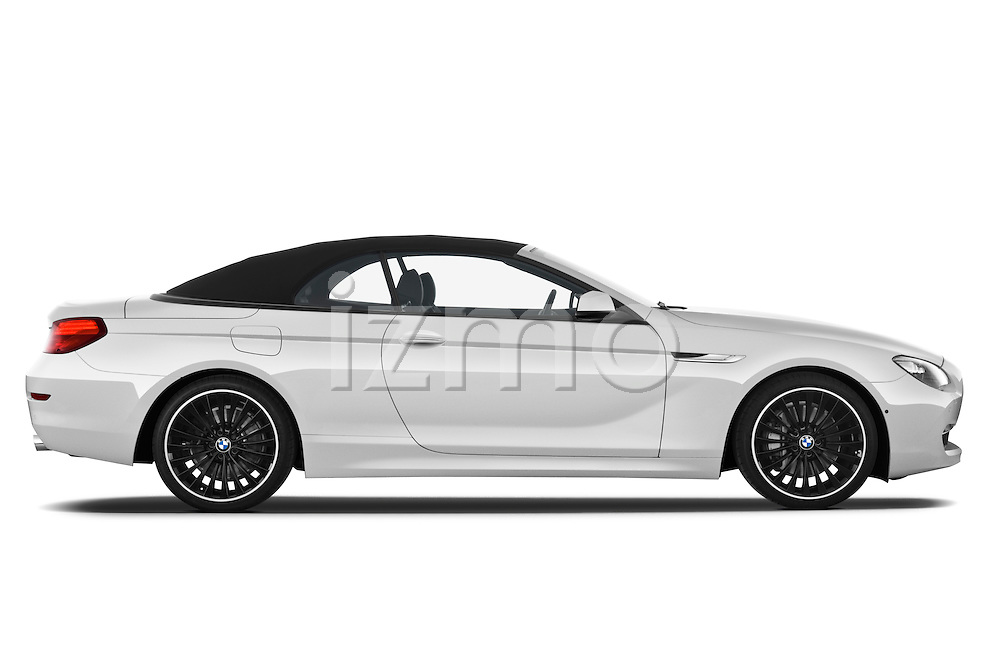Passenger side profile view of a 2010 BMW 6 Series 640i Convertible .