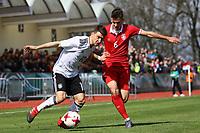 Salih Özcan (Deutschland, 1. FC Köln) gegen Jovan Nisic (Serbien) - 25.03.2017: U19 Deutschland vs. Serbien, Sportpark Kelsterbach