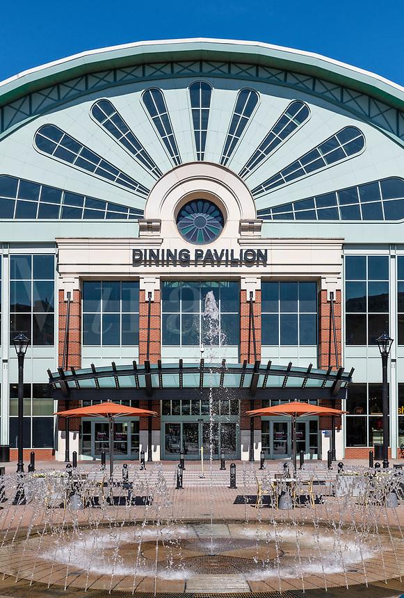 The Mall of Georgia dining pavilion, Beuford, Georgia, USA.