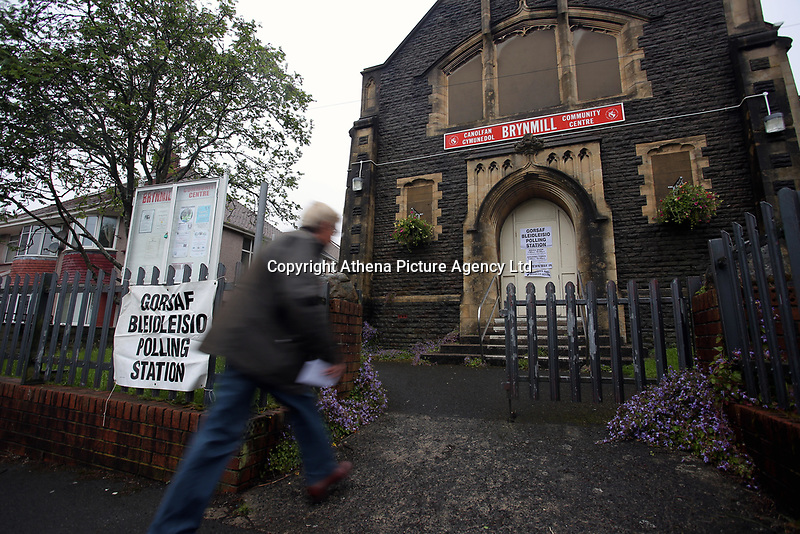 Pictured: A man enters the polling station in Brynmill Community Centre in Swansea, south Wales, UK. Thursday 08 June 2017<br />