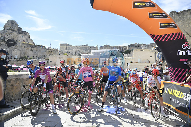 Ready to start Stage 7 of the 103rd edition of the Giro d'Italia 2020 running 143km from Matera to Brindisi, Sicily, Italy. 9th October 2020.  <br /> Picture: LaPresse/Fabio Ferrari | Cyclefile<br /> <br /> All photos usage must carry mandatory copyright credit (© Cyclefile | LaPresse/Fabio Ferrari)