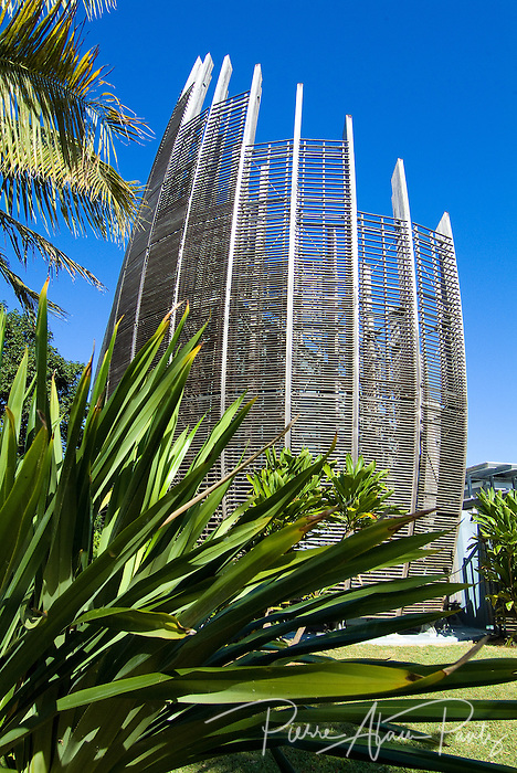 case bwenaado, centre culturel Tjibaou