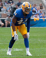 Pitt linebacker Elias Reynolds. The Pitt Panthers defeated the Syracuse Orange 44-37 in overtime at Heinz Field in Pittsburgh, Pennsylvania on October 6, 2018.