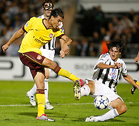 Fudbal, Champions league,Group H season 2010/2011.Partizan Vs. Arsenal.Marouane Chamakh, left and Stefan Savic, right.Beograd, 29.09.2010..foto: Srdjan Stevanovic/Starsportphoto ©
