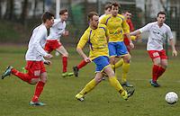 KFC Meulebeke - VV Tielt : Aaron Borms (r) aan de bal voor Martijn Wallican (links)<br /> Foto David Catry | VDB | Bart Vandenbroucke