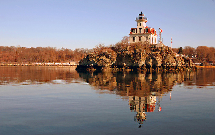 Pomham Rocks Lighthouse on a chilly winter day
