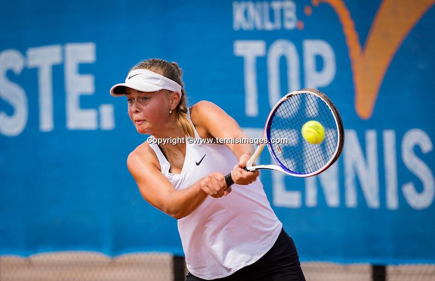 Amstelveen, Netherlands, 13 August 2020, NTC, National Tennis Center, KNLTB Wilcard Tournament,  Bente Spee (NED)<br /> Photo: Henk Koster/tennisimages.com