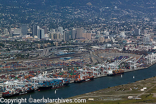 aerial photograph Port of Oakland to downtown Oakland, California